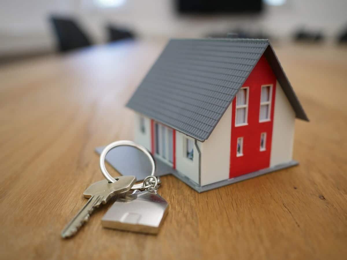 Modelhus med nøgle